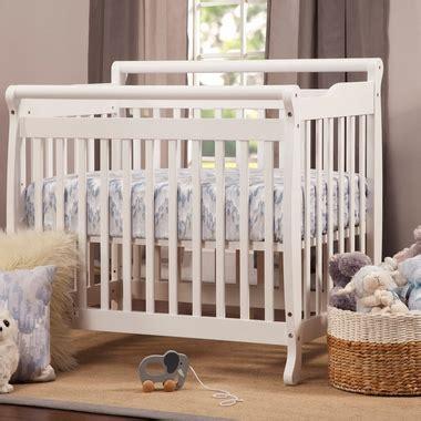 davinci emily mini convertible crib davinci emily mini 2 in 1 convertible crib in white m4798w