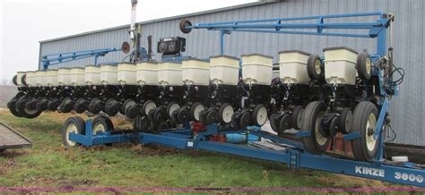 16 Row Planter For Sale by Kinze 3600 Line 16 31 Row Planter Item F4270 Sold