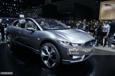 jaguar land rover automotive plc jaguar plc photos et images de collection getty images
