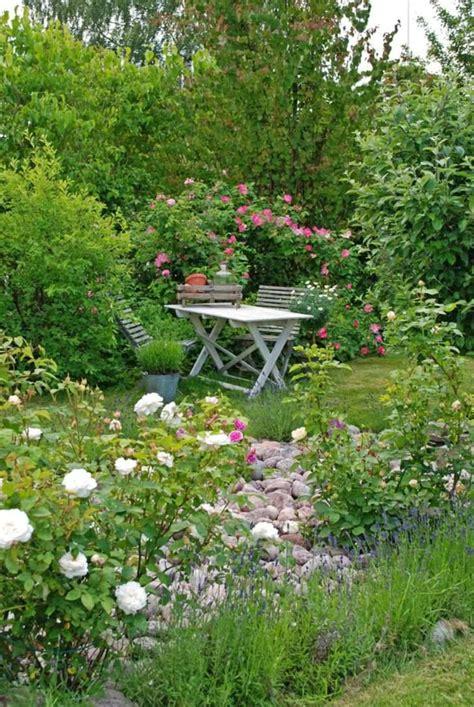 12 Shabby Chic & Bohemian Garden Ideas   1001 Gardens