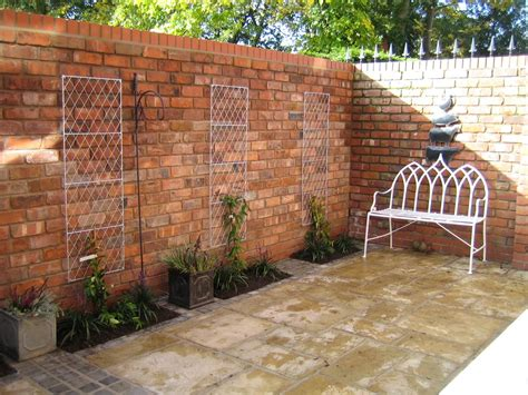 Small Garden Walls 13 Garden Wall Ideas That Will Create A Blissful Outdoor Oasis