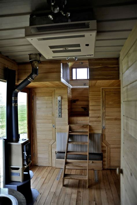 tiny wooden house           tiny house tiny