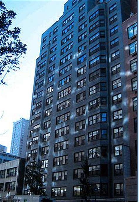 Apartments Nyc Doorman Building New York City Doorman And Apartment Building Workers