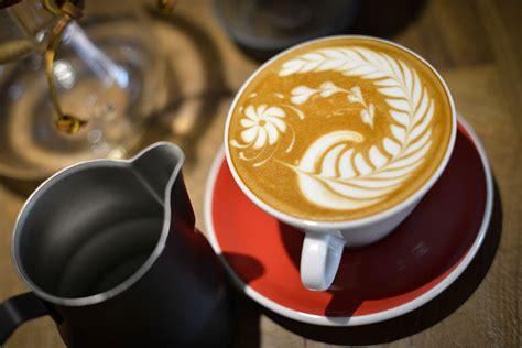 latte tecniche di decorazione cappuccinolatte