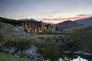 Luxury Homes Queenstown Secluded Luxury Home In Queenstown New Zealand Enpundit