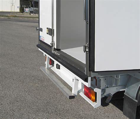 pedane di carico per furgoni pedane e scalette per furgoni isotermici transcar bertinoro
