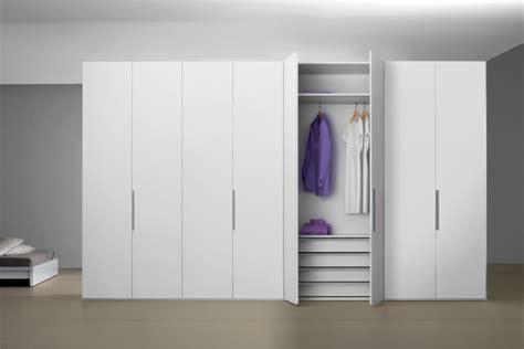2 türiger kleiderschrank kleiderschrank 8 t 252 rig bestseller shop f 252 r m 246 bel und
