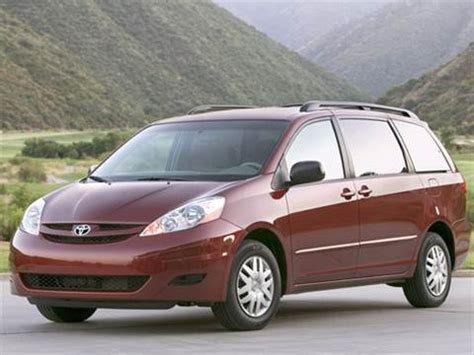 2010 toyota sienna pricing ratings reviews kelley blue book