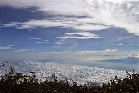 wallpaper di atas awan yodha s blog