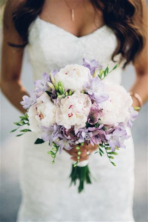 Pictures Flowers For Weddings by 25 Best Ideas About Purple Bouquets On Purple