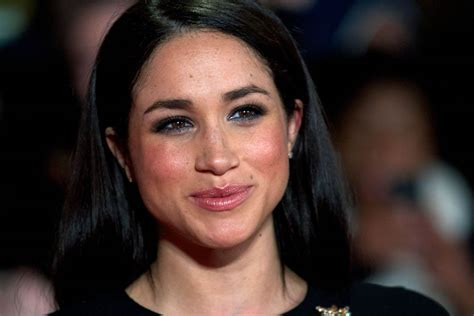 meghan harry prince harry asks for end to abuse of girlfriend meghan