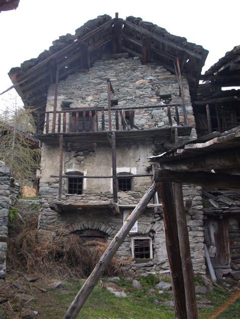 vendo casa aosta rustico in pietra frazione triatel torgnon a valle d