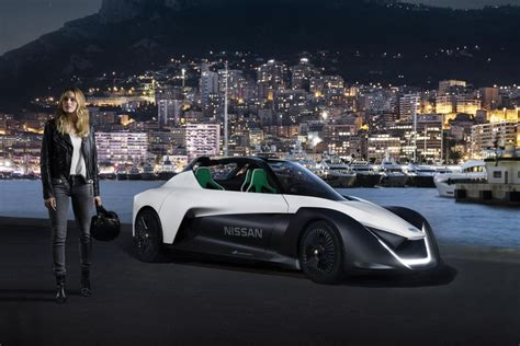 Nissan Electric Cars 2017 Actor Margot Robbie Signed As Nissan S Electric Vehicle