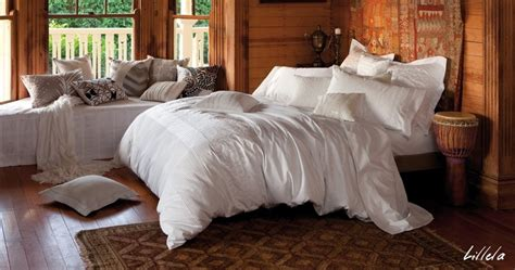 big fluffy comforters 1000 images about big white comfy beds on pinterest