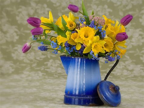 wallpaper free spring flowers description free download spring flower arrangement