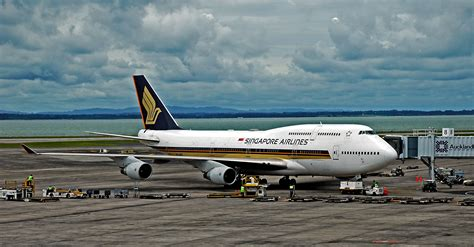 Air Singapore file singapore airlines sia 747 412 jpg wikimedia commons