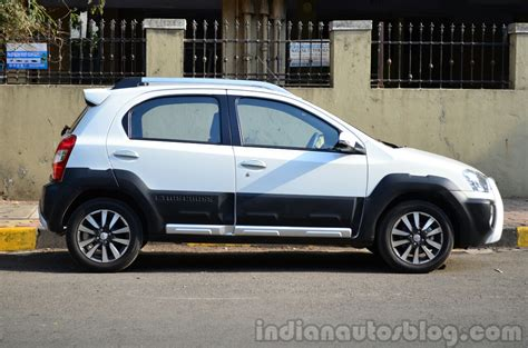 Toyota Reviews Toyota Etios Cross Review Is It Worth 50k