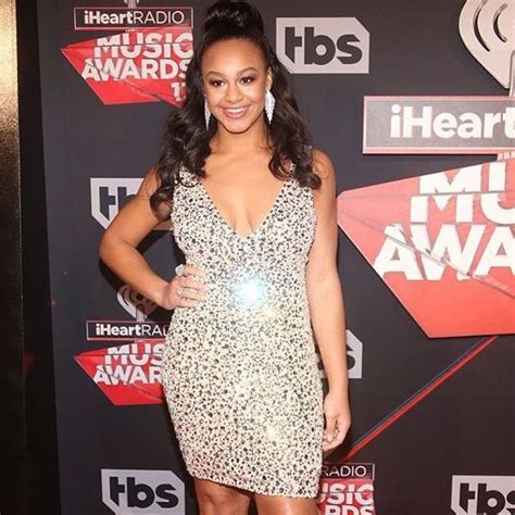 vestidos pin up niñas nia sioux red carpet 2017 nia frazier pinterest dancing
