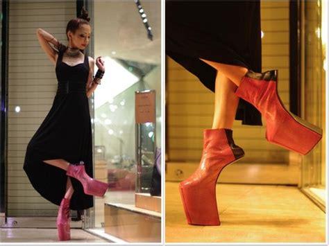 Heels Ginsha 189 2 Warna 8 high heels paling mengerikan