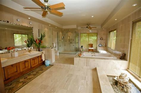 2 million dollar bathtub tricked out mansions showcasing luxury houses december 2013