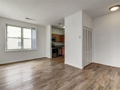 Dc Apartments Sublet Finishes Apartments For Rent In Washington Dc The Envoy