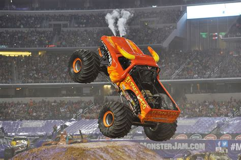 el toro loco truck manila speak jam at moa arena