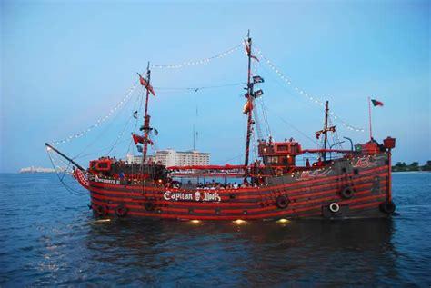 captain hook pirate dinner cruise cancun honeymoon fun