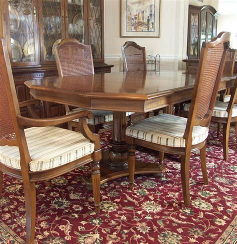 Ethan Allen Dining Table And Chairs Ethan Allen Dining Table And Six Chairs Ebth