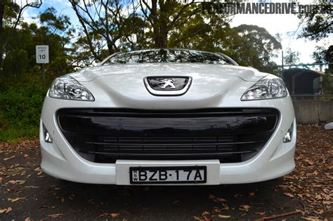 peugeot rcz 2012 2011 peugeot rcz review performancedrive