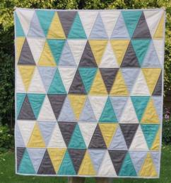 mack and mabel triangle baby quilt free pattern