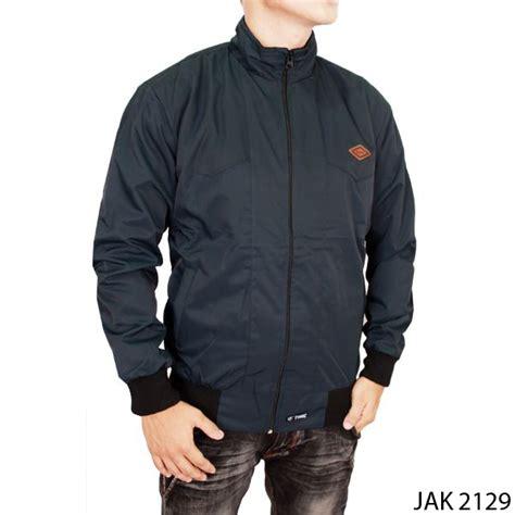 Jaket Pria Parasut Hitam Jak 2223 jaket outdoor parasut hitam jak 2129 gudang fashion