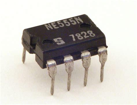 integrated circuit chip facts 555 timer الكترون بوى electron boy