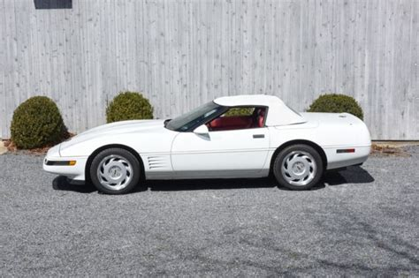 1991 white convertible 24 900 buy or sell classic buick reatta coupe or convertible 1991 chevrolet corvette 24 000 miles white convertible v8 5 7l a