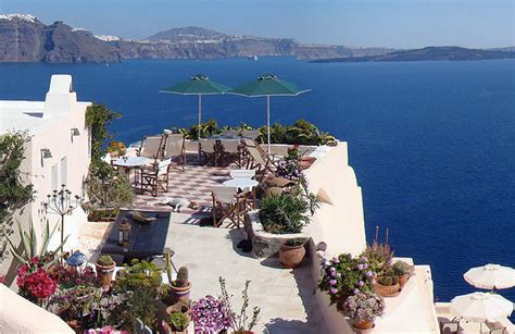 aris caves hotel aris caves oia santorini lets you live like the