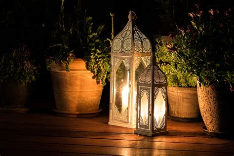 decorare le candele candele da esterno per decorare giardini e terrazzi