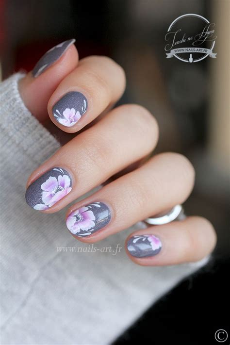 easy nail art poppy design one stroke 3335 best vanity fair nailed it edition images on