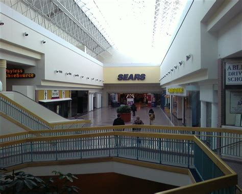 shoppingtown mall dewitt new york labelscar