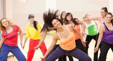 more beginners guide to zumba full workout zumba 5 dance workouts to burn more than 200 calories in an hour