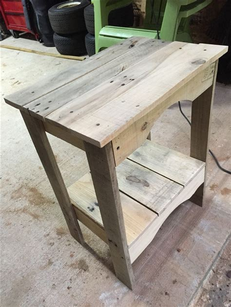 pallet wood end table best 25 pallet end tables ideas on pallet