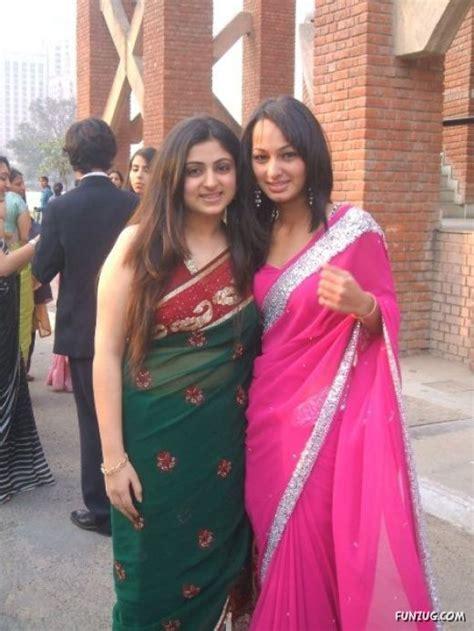 Gamis Sari I Umi 02 funzug galz at traditional day in dps delhi