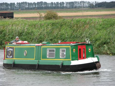 canal boat simulator canal boat narrow escape 169 evelyn simak geograph