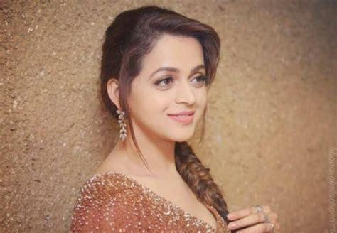 actress bhavana latest actress bhavana gets engaged to kannada producer naveen