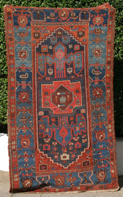 kurdish rug kolyai qulya i kurdish rug with anchor design and turtle border
