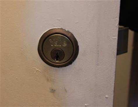 Changing Locks On Door by Change Locks On House Diy House And Home Design