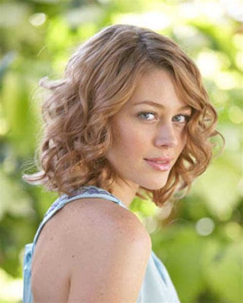 18 best haircuts for curly best hairstyles for short curly hair short hairstyles