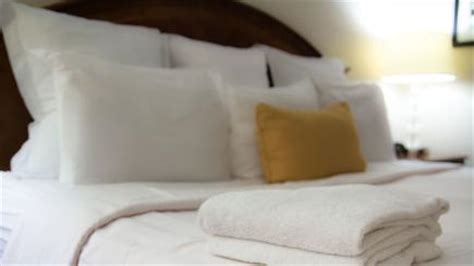 how to keep a room cool on how to keep your hotel room cool and get a s sleep bt
