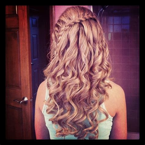 prom hairstyles side curls with braid prom hair braid with curls cute things pinterest