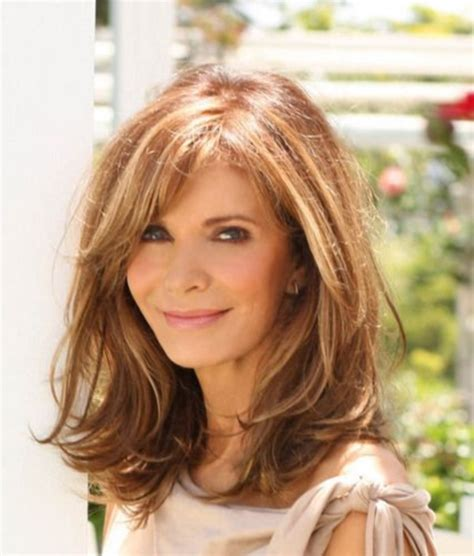 hair styles for a lady 60 plus shoulder le ght 101 chic and stylish shoulder length hairstyles