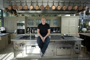 at home kitchen gordon in his kitchen at home my gordon ramsay