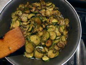 cucinare le zucchine in padella zucchini saltati in padella ricette ricette ricette